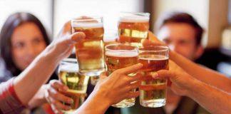 L'alcool laboisson et les maladies cardiaques - furtivement dans le verre